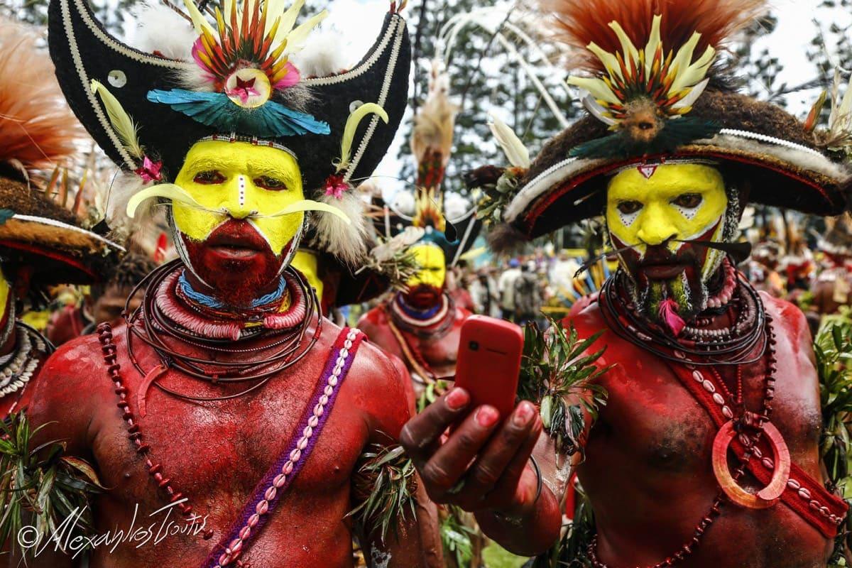 Papua New Guinea canibalism Huli tribe