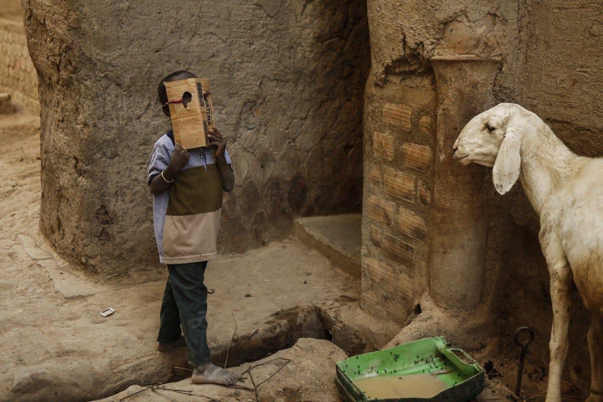 Mali kid play mask