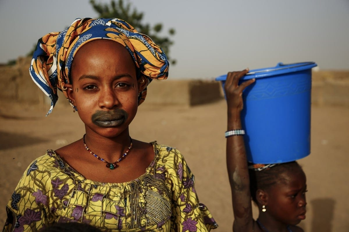 Mali Fulani tribe lip tattoo