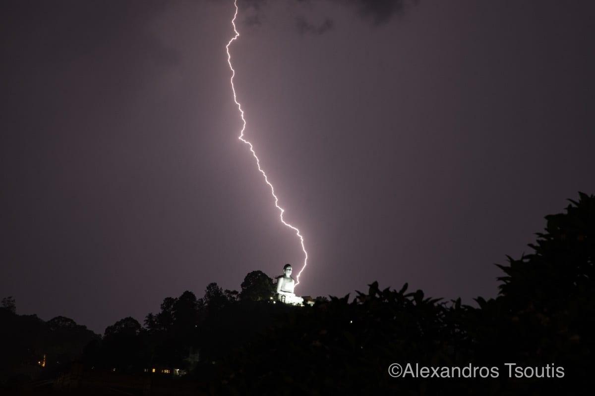 Sri Lanka Buddha thunder